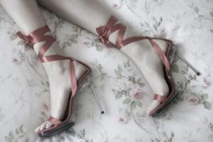 Boty do postele patří! Chlapi z nich totiž šílí